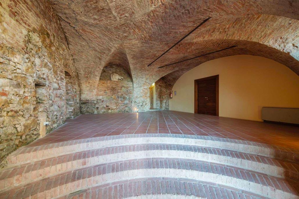 Castello con vista sulle colline dell'Oltrepò Pavese